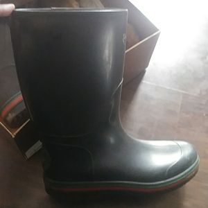 Great condition gucci rain boots for men with box